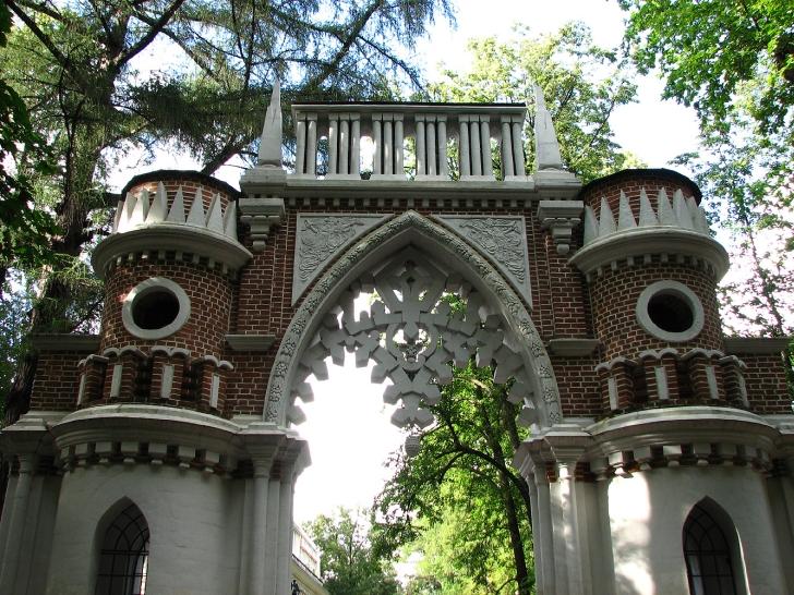 Виноградные ворота. Архитектор Василий Баженов. Царицыно. Около 1776-1785.