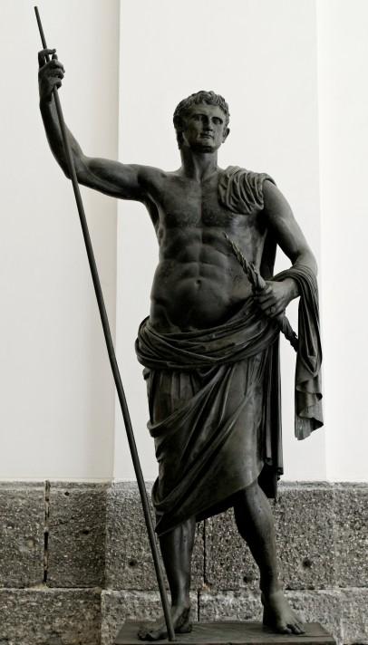 Неизвестный автор. Статуя Август из Геркуланеума. 1 в. Бронза. Национальный археологический музей, Неаполь.