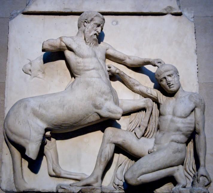 Неизвестный автор. Битва с кентавром. Панель фриза Пантеона. Около 447 – 433 г. до н.э. Мрамор. Британский музей, Лондон.