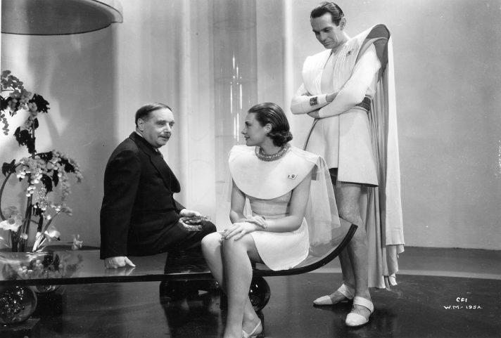 Герберт Уэллс на съемочной площадке филльма-экранизации его повести. 1936.