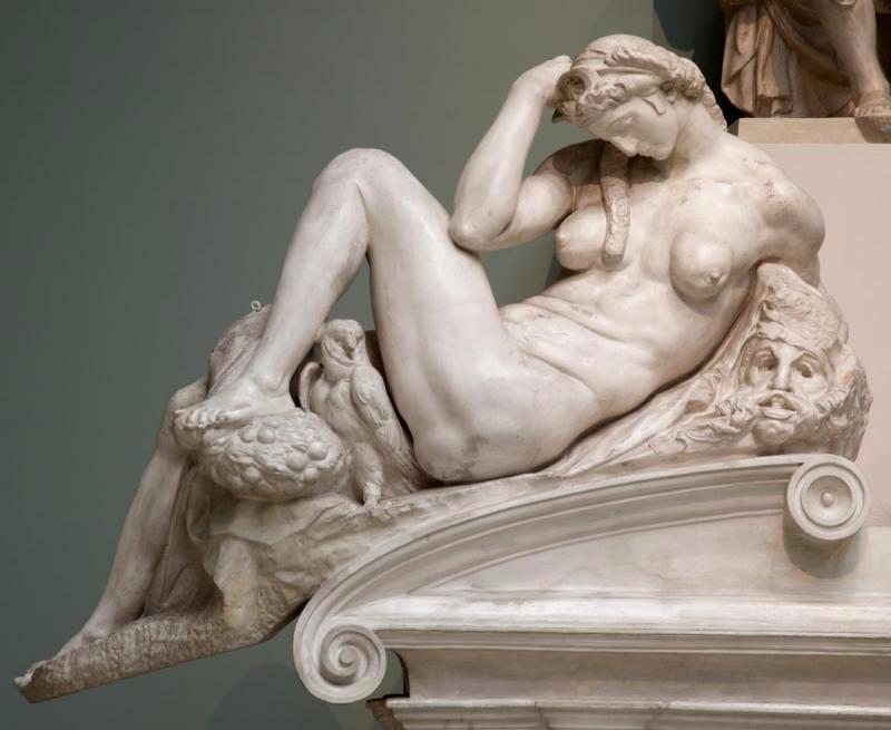 """Микеланджело. Саркофаг Джулиано Медичи. 1526-1533. Церковь Сан-Лоренцо, Флоренция. Фрагмент """"Фигура Ночи"""".. Источник x-apple-ql-id://83B2565A-7106-4769-9C37-ACFAE137CE5B/"""